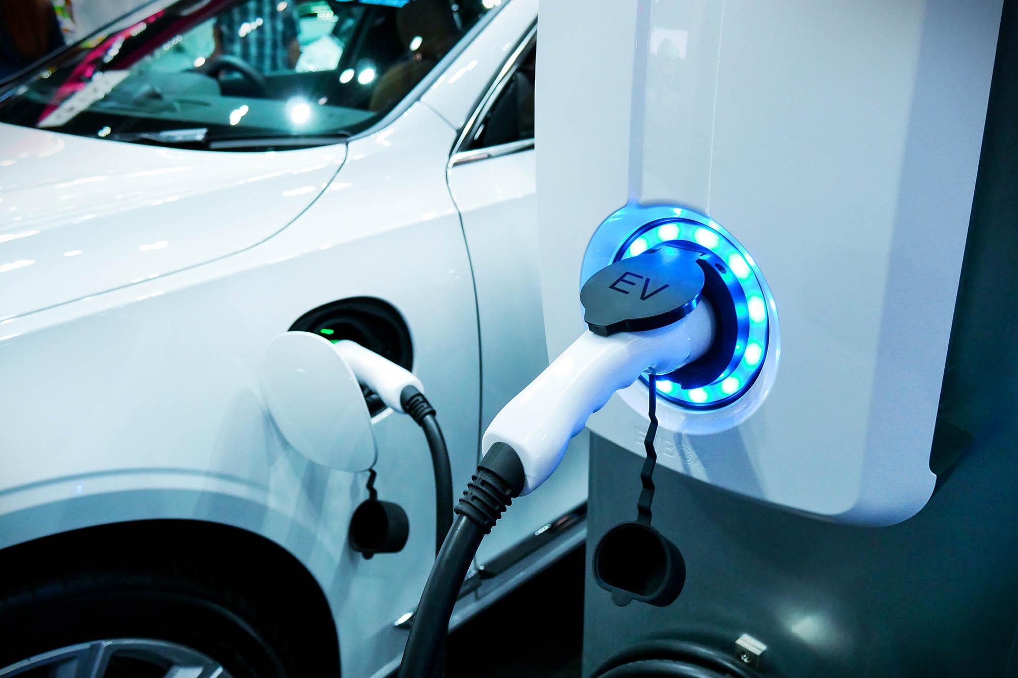 EV fuel Plug in hybrid car
